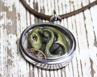 Dragon pendant locket