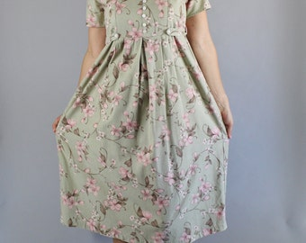 Vintage 90s Women's Sage Green Dogwood Blossoms Floral Print Boho Short Sleeve Casual Summer Day Dress