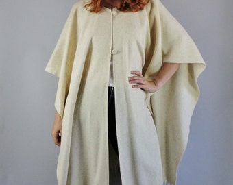 Vintage 70s Southwestern Wool Boho Poncho // Mexican Wool Blanket Cape Poncho // Fall Winter Cape