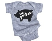 BBQ shirt, 4th of July, Baby Pig Bodysuit, Funny Summer Clothes, Barbecue Shirt, Baby Boy Clothes, Gifts Under 25, Pig Roast, Bacon Lover