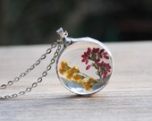 Pressed flower necklace,  real flower glass necklace, Heather herbarium pendant, terrarium necklace, boho wedding, bridesmaid necklace