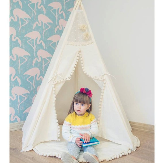 Children's teepee play house