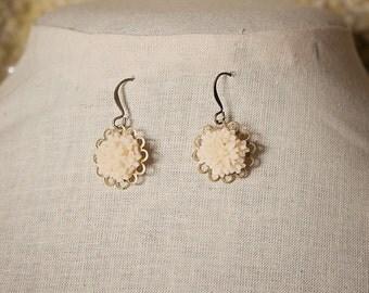 Handmade Ivory Flower Earrings Ivory Resin Flower Ivory Flower Dangle Ivory Flower Jewelry Ivory Earrings