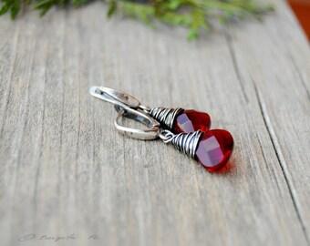 Minimal earrings, Wine red quartz earrings, Wire wrapped earrings, Faceted drop quartz earrings, Dangle earrings, Artisan small earrings