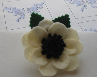 White Flower Pin Anemone Brooch, Ivory Felt Flowers Pins Brooches Felted Jewelry Accessories Handmade Flower Gifts