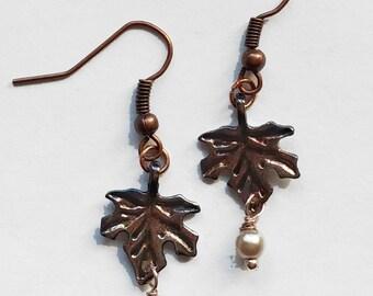 Dainty maple leaf earrings