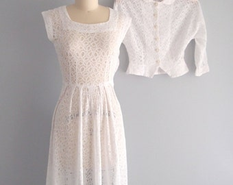 1950s White Lace Dress & Jacket/ fit n flare Peekaboo Lace midi tea length Wedding Dress Peter Pan collar Peplum jacket 1940s-50s...24 waist