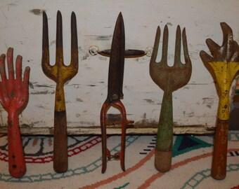SALE VINTAGE Garden Hand Tools - Lot of 5
