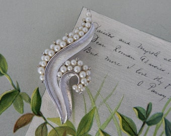 Crown TRIFARI Brushed Silve Brooch w/ Pearls & Rhinestones