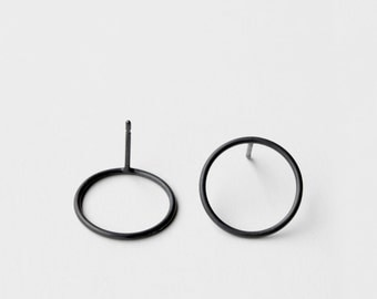 Circles - oxidized silver earring - minimalist oxidized sterling silver circle earring