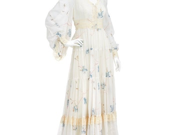 Vintage 70s Ivory Floral Gunne Sax Hippie Boho PRAIRIE Laced Angel Sleeves Full Pleated Tiered Maxi DRESS