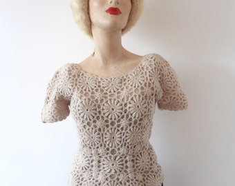 1950s Crochet Sweater - vintage bisque lace knit top size XS