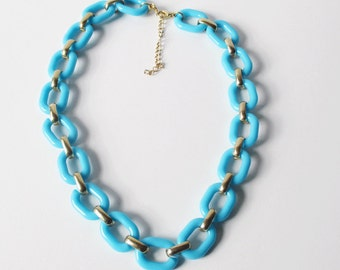 Vintage Turquoise Necklace with Plastic and Gold Link Necklace