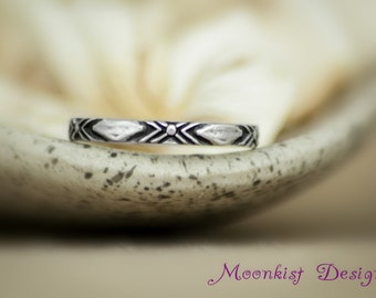 Narrow Geometric Patterned Band in Sterling - Silver Southwestern-inspired Wedding Band - Narrow Sterling Domino Band