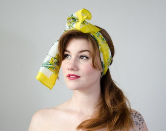 1960s vintage scarf / vintage Vera scarf with yellow crocus