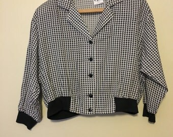 Vintage 1990s Graphic Houndstooth Print Cropped Slouchy Oversized Top Blouse Shirt Black and White L XL
