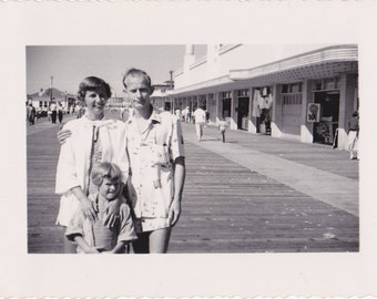 Down By The Boardwalk- 1950s Vintage Photograph- Atlantic City, NJ- 40s Beachwear- Swimsuits- Found Photo- Vernacular Photo- Paper Ephemera