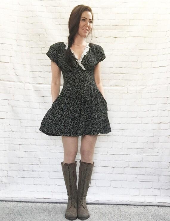 Vintage 90s Lace Collar Wide Waist Mini Dress XS S Black White Vine Print Pockets