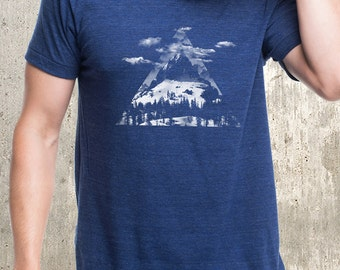 Men's Triangle Mountain Clouds T-Shirt - Men's Tri-Blend T-Shirt