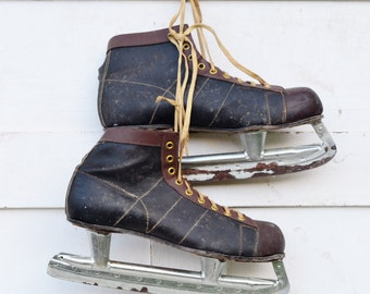 Men's Vintage Ice Skates Black Brown Rustic Primitive Christmas Winter Decoration Craft Project Upcycle Repurpose 1950's