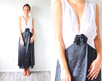 Vintage white & black night gown dress // lace nighty // white nightgown // summer white dress //  boho lace sexy dress // sleeveless nighty
