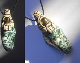 Moss Agate pendant with Green Tourmaline / jewelry / tribal key / tree agate / ABUNDANCE CRYSTAL / green white / moss agate / khayanite