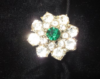 1940's White Rhinestone Brooch w/Emerald Green Rhinestone Center Accent