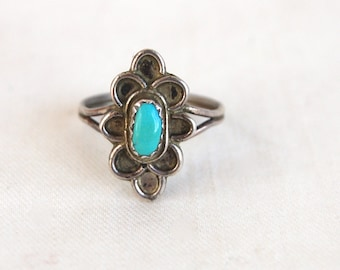 Southwestern Turquoise Ring Size 5 Boho Flower Vintage Pinky Midi Ring Chunky Turquoise Blossom