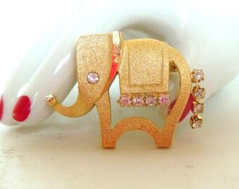 Vintage Brooch Elephant Rhinestone Dangle Gold 60's (item 52)