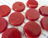 2 glass cabochons, Ø18mm, red marbled, round