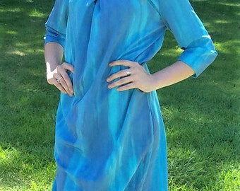 Vintage Ladies Blue Water Color Dress by Vera Wang Size 6 Only 15 USD