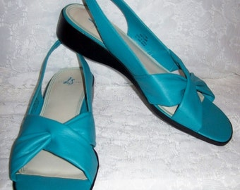 Vintage Ladies Blue Slingback Sandals by Life Stride Size 11 Only 6 USD