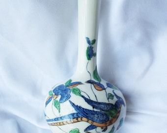 Vintage Asian Magpie Bird Vase Hong Kong