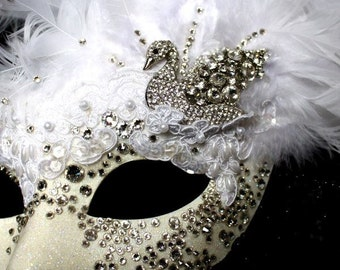Luxury White Swan Crystal Swarovski Masquerade Mask