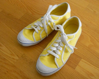 Ralph Lauren Polo sneakers.  Size 9 ladies.  Vintage yellow tennis shoes.