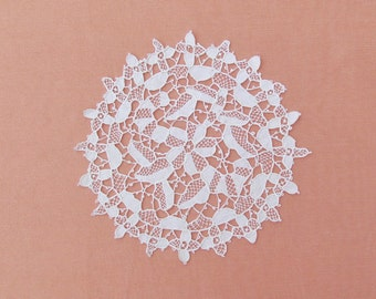 Vintage needle lace doily, small round handmade lace doily