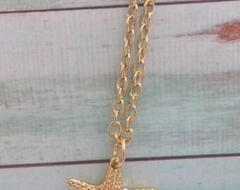 Gold Starfish Necklace. Beach Wedding. Bride. Bridesmaid Necklace. Wedding Jewelry. Simple Charm Necklace