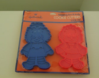 Raggedy Ann and Andy Hallmark Cookie Cutters Unused Red and Blue Plastic Cutters Made in USA