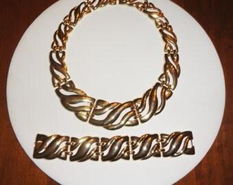 CLEARANCE Gold Tone Wide Panel Wavy Curvy Winding Link Vintage Necklace & Bracelet Set