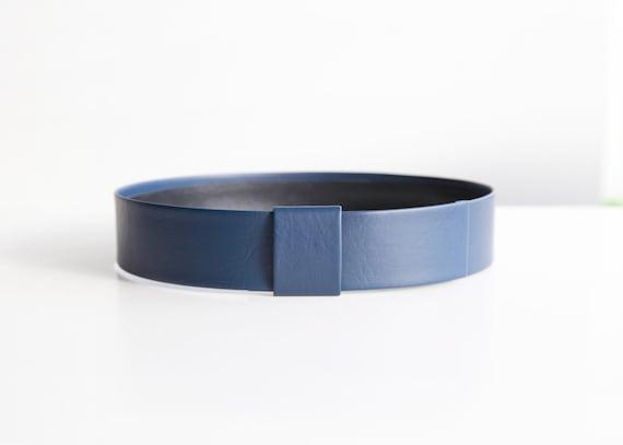 Navy blue waist belt- modern and minimalist dark blue leather look women's fashion waist belt