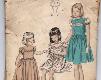 "1940's Vogue Girl's Dress Pattern - Breast 23"" - No. 2517"