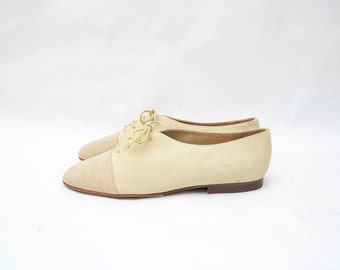 Vintage creamy suede women lace up flats
