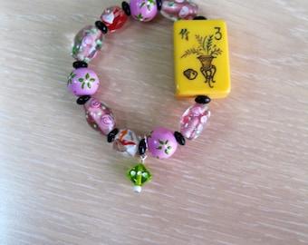 Vintage Bakelite Mahjong bracelet with hand painted glass beads