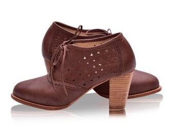 SALE. Sz.9. BREEZE. Oxford shoes women / oxford heels / leather oxfords / womens oxfords / leather oxford shoes / brown leather shoes /retro