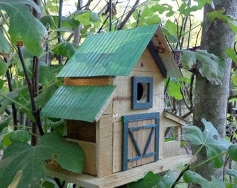 Rustic Reclaimed Birdhouse (Barn)