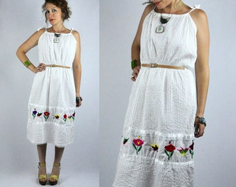Mexican Floral EMBROIDERED White Dress Spaghetti Straps 70s Mexican Dress Boho Hippie Gypsy Ethnic Wedding Bride Beach Summer size S - M