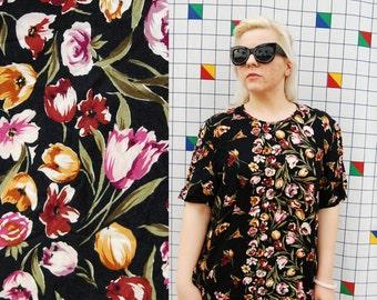 TULIPS 1980s Norton McNaughton Black Floral Print All Over Short Sleeve Womens Tshirt Blouse