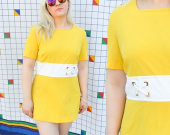 MINI 1970s Alex Coleman Yellow and White Striped Short Sleeve Colorblock Go Go Girl Belted Shift Dress A-Line Dress Medium