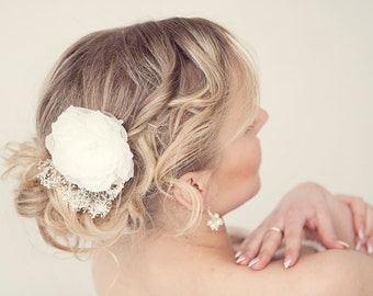Bridal hair flower, Silk flower clip, Flower hair clip, wedding hair clip, babys breath wedding, Flower headpiece, Ivory hair flower