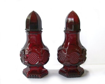 Vintage Avon Cape Cod ruby Red Glass Salt & Pepper Shaker Set